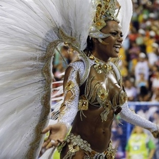 2014 Rio Karnavalı'ndan içinizi ısıtacak kareler
