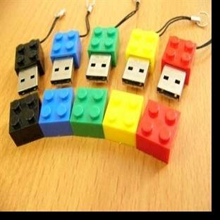 Akıllı Telefona Takılabilen USB Flash Bellek