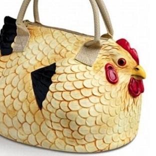 Bu çantalara bakmadan geçmeyin.