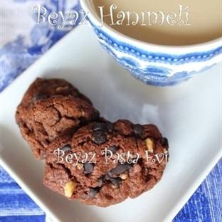 Çifte çikolatalı ve cevizli kurabiye
