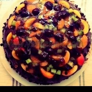 Çikolatalı ve Karışık Meyveli Pasta
