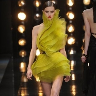"""Couture"" Elbiseleriyle Alexandre Vauthier"