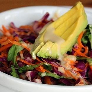 Detox Etkisi Yaratan Rengarenk Sebze Salatası