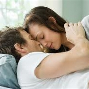 Eşinizi eve bağlamanın 15 yolu