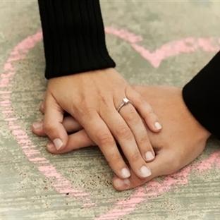 Evlilik Teklifinde Tektaş Yüzük Seçimi
