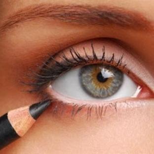 Göz kalemi ile yapabileceğiniz 25 taktik