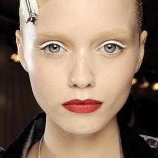 Makyajda Yeni Trend: Beyaz Eyeliner
