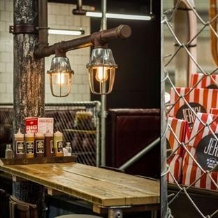 Manchester'da Red's True Barbecue Aydınlatma