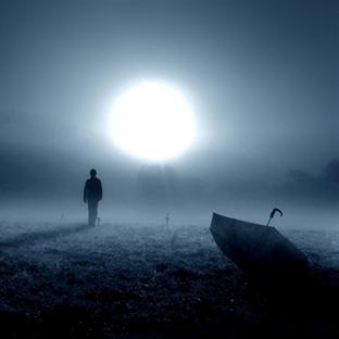 Ne yalnızlığa mahkum eder?