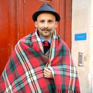 Paris Sokaklarındayız...