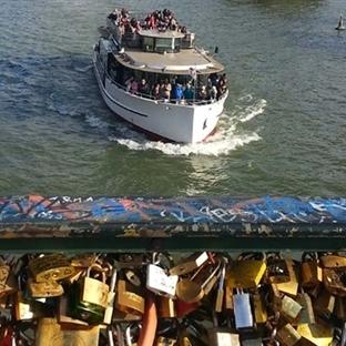 Paris'te Güzel Bir Gün