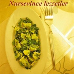 Pratik Diyet Avokado Salatası