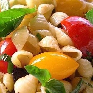 Sebzeli Makarna Salatası Tarifi