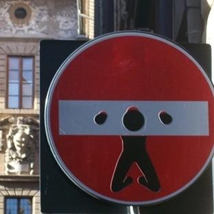 Trafik Tabelalarında Sokak Sanatı!