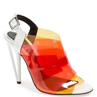 Yeni Sezondan Şeffaf Detaylı Ayakkabı Rehberi