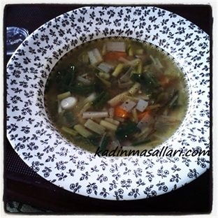 Yeşil Soğan Çorbası Tarifi