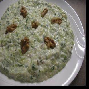 Yoğurtlu Cevizli Kabak Salatası Tarifi
