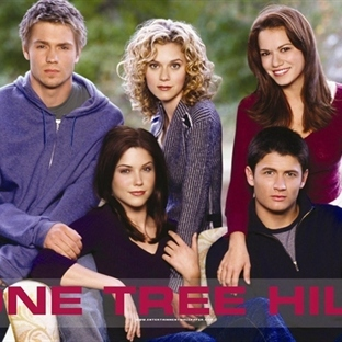 9 Yıla Sığmayan Dostluğun Öyküsü : One Tree Hill