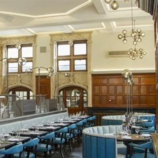 B3 Designers'dan Londra'da One Kensington Bar