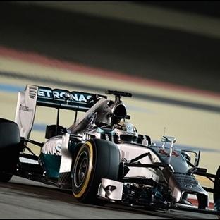 Bahreyn'de de Duble, Zafer Lewis Hamilton'un !!