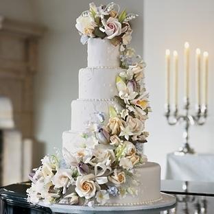 Çiçek Detaylı Düğün Pastaları