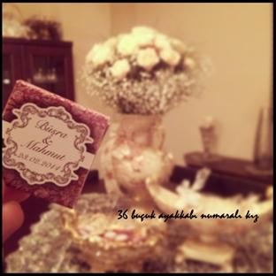çiçekli çikolatalı birşeyler