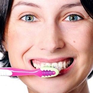 Diş Fırçalama Yönteminiz İpucu Veriyor