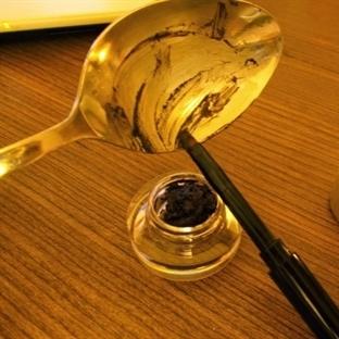 DIY: Kuruyan Jel Eyeliner'ı Kurtarma