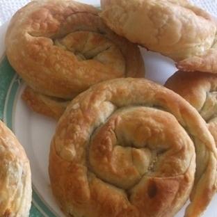 El açması ıspanaklı gül böreği nasıl yapılır ..