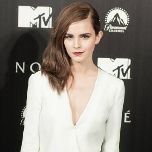 Emma Watson'ın En İyi 10 Siyah ve Beyaz Tercihi
