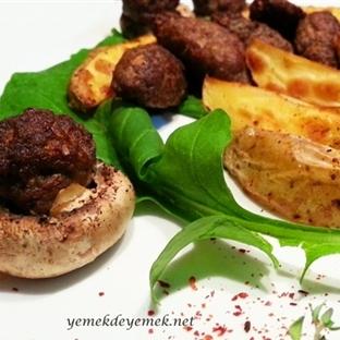 Fırında Mantar Üstü Köfte - Patates