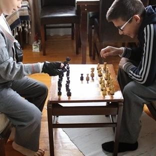 Geri dönüşüm satranç sehpası