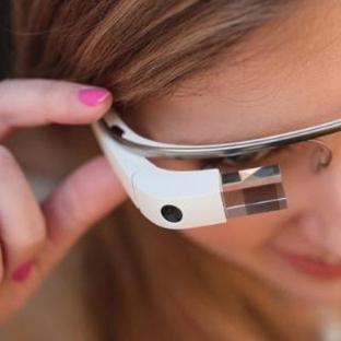 Google Glass satışa başlıyor.Yine seks satacak!