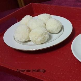 hindistan cevizli irmik topları