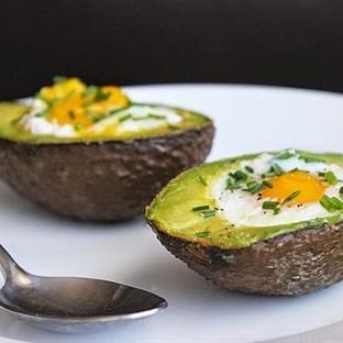 Kahvalti Önerisi:Fırında Yumurtalı Avokado