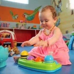 İki Elinden Tutulduğunda Yürüyebilir – Bebek Geliş