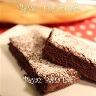 İki malzemeli bitter çikolata keki