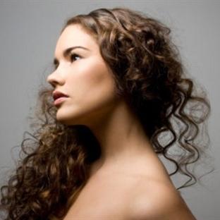 Kıvırcık Saçlar Nasıl Taranmalı ?