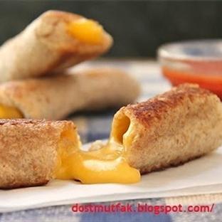 Kızarmış peynirli Rulo