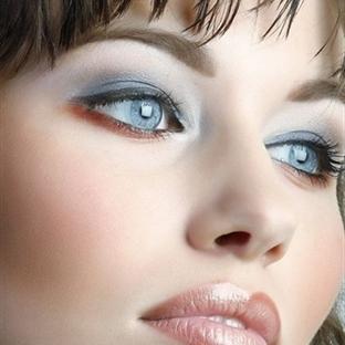 Mavi göz makyajı önerileri