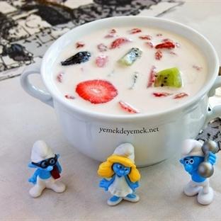 Meyveli Süt Çorbası