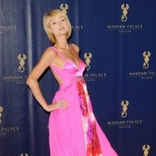Paris Hilton Elbise Modelleri 2014