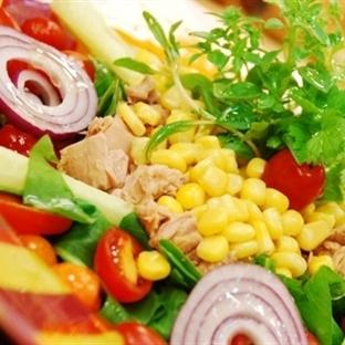 Pasifik Adalarından Polinezya Salatası