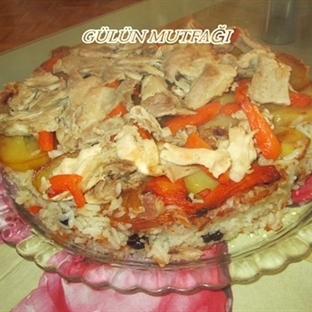 Patates ve havuç eşliğinde iç pilav