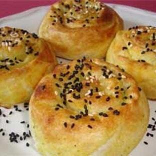 Patatesli Gül Böreği Yapılışı