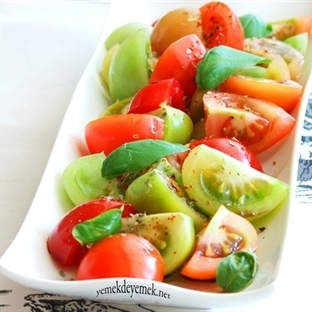 Renkli Domates Salatası