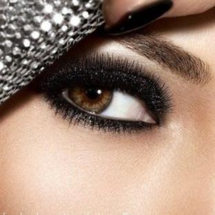 Sade Ama Şık Bir Göz Makyajı