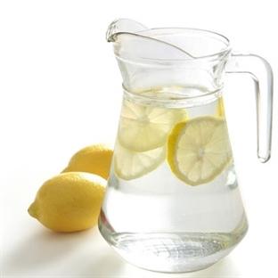Sağlık İçin Limonlu Su İçin