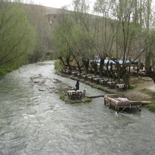 Tarihin Derin Vadisinde - IHLARA