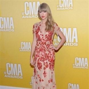 Taylor Swift ten Bayanlara Elbise Modelleri